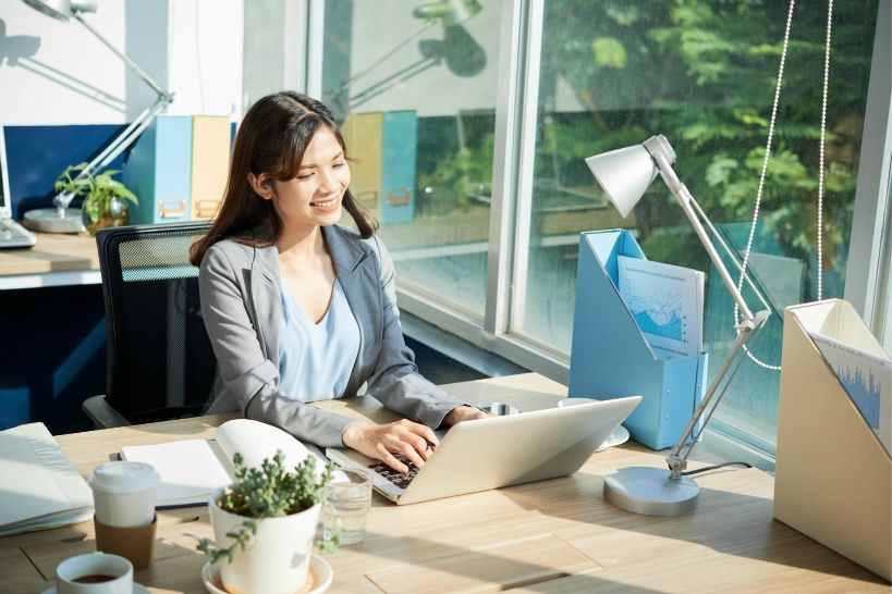 cheerful-young-business-woman.jpg