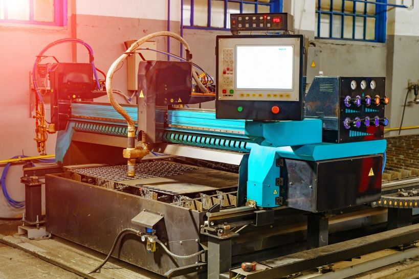 metalworking-milling-machine-industrial-metalworking-cutting-process-by-milling-cutter.jpg